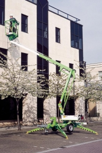 Nifty Light Weight 120T Towable Cherry Picker